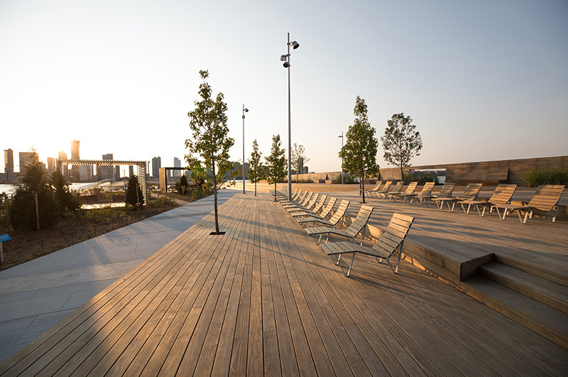 Lounge areas at Pier 26 - Max Guliani for Hudson River Park