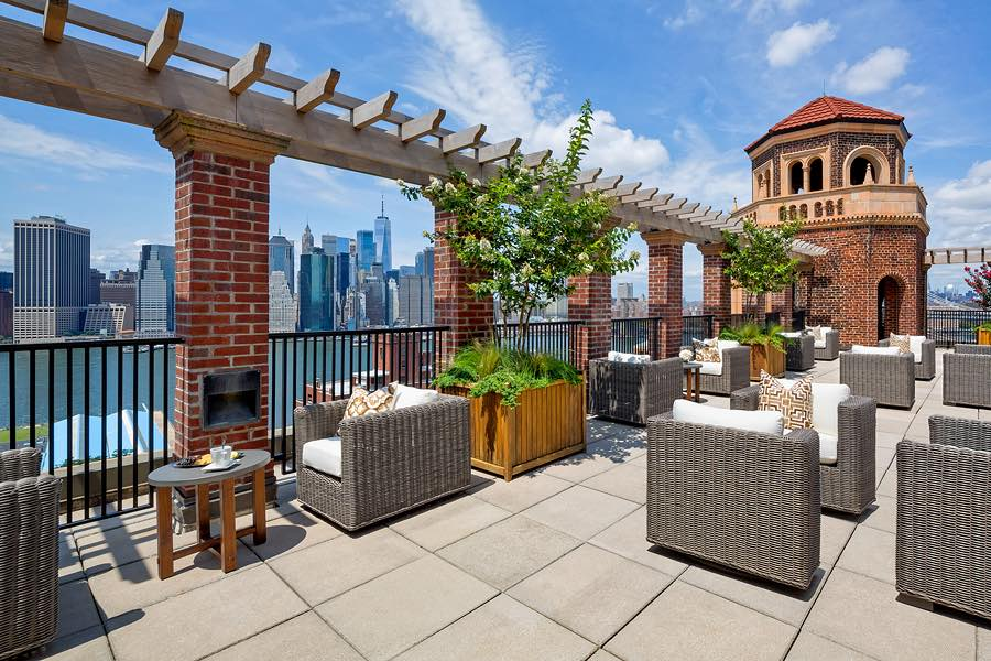 The Watermark at Brooklyn Heights - Photo by Barry Hyman; art direction by Ines Newby