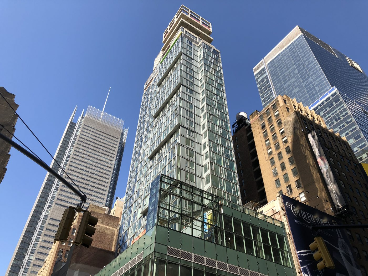 Margaritaville Resort Nears Completion at 560 Seventh Avenue in Times Square, Manhattan - New York YIMBY