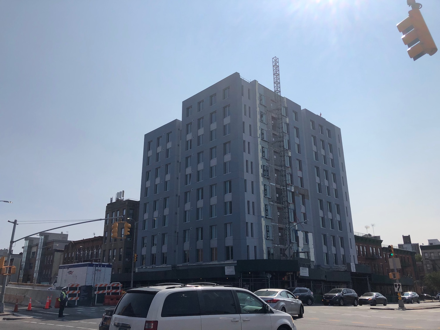 1860 Eastern Parkway di Brownsville, Brooklyn melalui NY Housing Connect