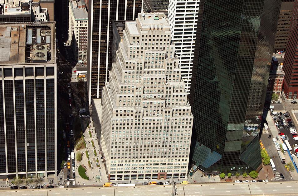 Aerial view of 120 Wall Street (center) - Silverstein Properties