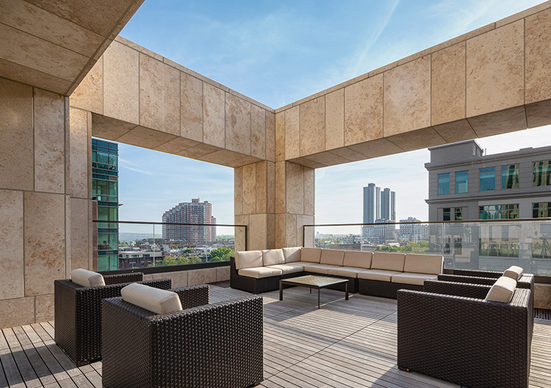 Outdoor lounge space at 99 Hudson