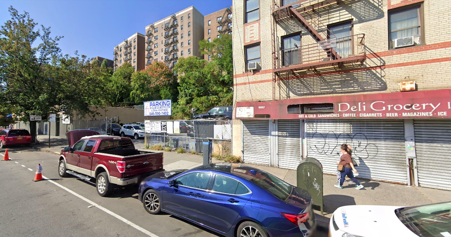 Existing site conditions at 5055 Broadway - Google Maps