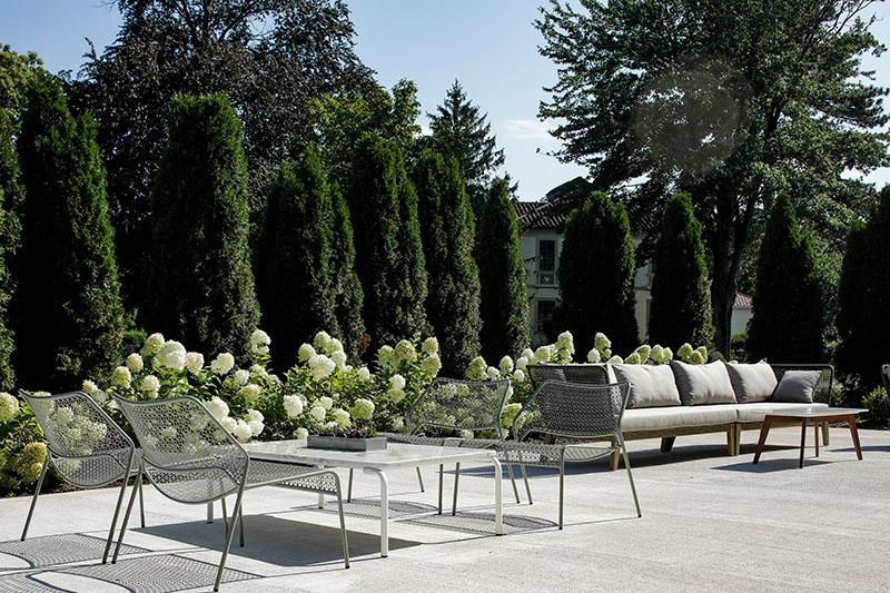 Clarus Glen Ridge outdoor parlor lounge - JMF Properties
