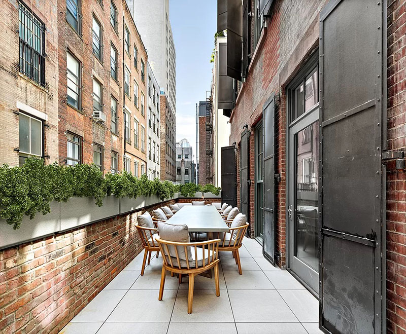 Private residential terrace at 51-53 White Street